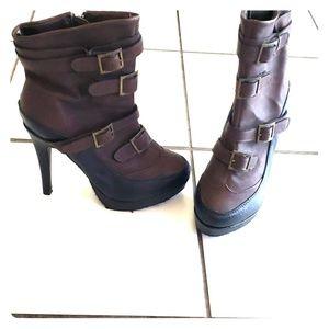 Apple Bottom boots